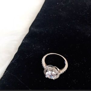 Jewelry - Silver Tone Crystal Bling Ring NWOT 0094